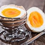 Szybko obrać jajko