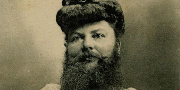 Trzy włosy na brodzie kobiety