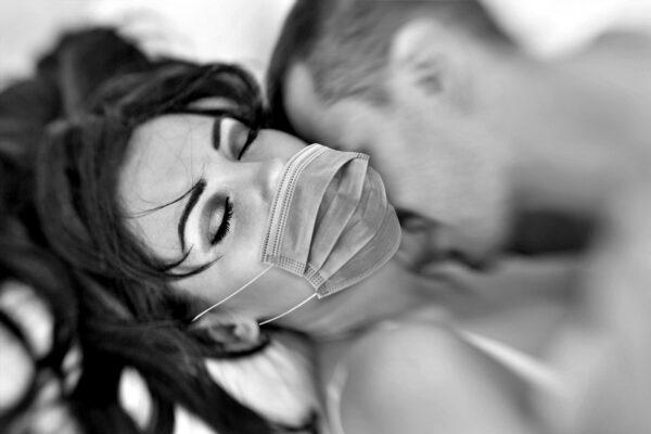 Seks w pandemii jest bezpieczny