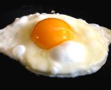 A może usmażyć ci jajka ?