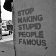 Piramidalna głupota elity