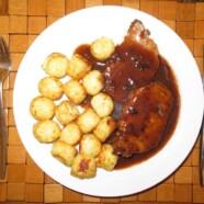 Schab pieczony z sosem śliwkowym