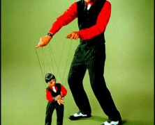 Marionetki na smyczy
